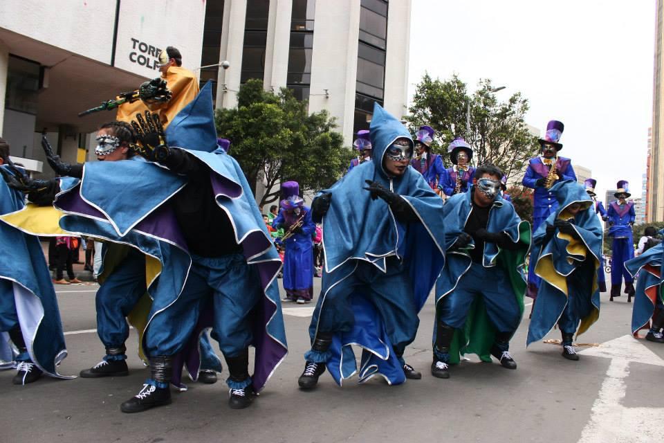 groupe bleu capuchon