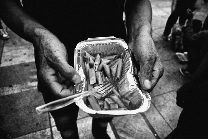 Lesvos_Refugees_Cooking_Food_05