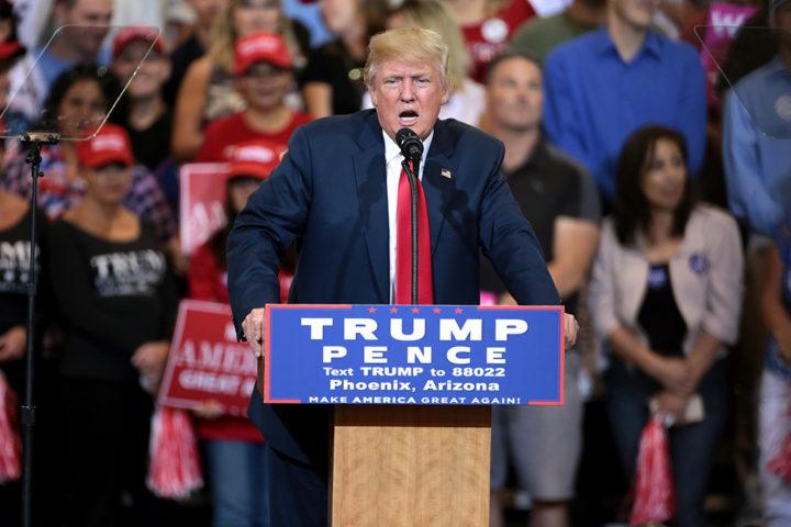 Donald Trump em Phoenix, capital do Arizona, na reta final da campanha, em outubro. Foto: Flickr/Gage Skidmore.