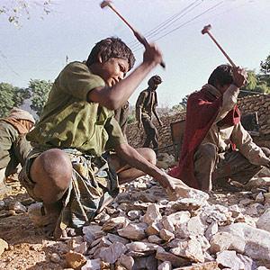 Colombia: nel 2011 oltre un milione di bambini lavoratori