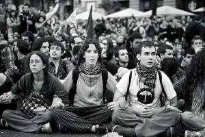 Le Parti Humaniste dénonce la violence institutionnelle et demande aux manifestants de maintenir l'esprit non-violent