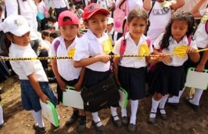 Paradigma educativo peruano trata a los escolares como a minusválidos mentales