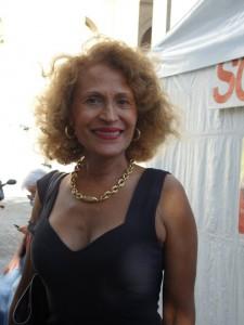 Suzanne Dracius: «La escritura es un acto solitario y que yo quiero solidario»