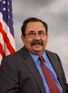 El representante Grijalva rechaza el plan de Obama que recortar más en seguridad social que en gastos militares
