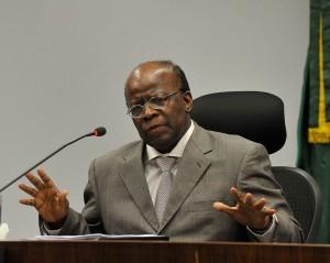 Barbosa nega pedido de prisão imediata de réus do mensalão