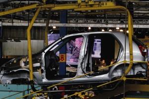 Estudo derruba mito sobre custo da mão de obra no preço dos carros no Brasil