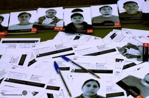 Postales y retratos fotográficos contra los desahucios de Calatunya Caixa