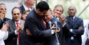 Venezuela, el abrazo de Nicolás y Diosdado