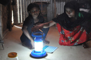 Solar lighting can deliver major development and climate benefits – UN agency