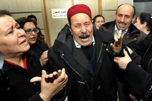 Tunisia: sciopero generale e funerali di Belaid