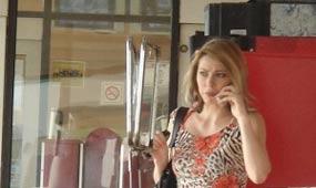 Mujeres sufren desigualdades en mercado laboral francés