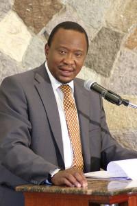 Kenya, elezioni: Uhuru Kenyatta vince per un soffio