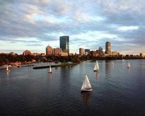 Três pessoas morrem em explosões de bombas em Boston, EUA