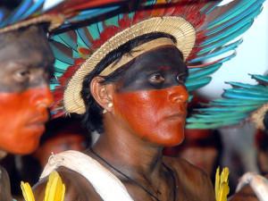 """Brasil: Indígenas querem """"trocar"""" folclore por debate sobre o direito à terra"""