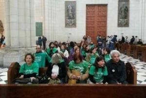Profesores madrileños se encierran en la catedral de La Almudena
