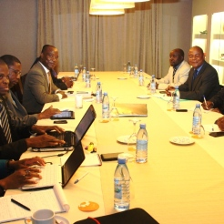 Moçambique: Governo e Renamo retomam diálogo 2ª Feira