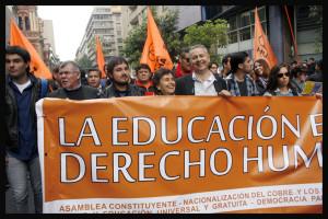"""Marcel Claude: """"Debemos movilizarnos por recuperar el derecho a la educación"""""""
