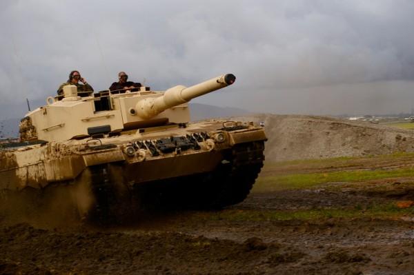Os gastos militares globais diminuem, mas da Rússia e da China aumentam