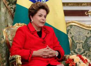 Dilma reitera em Caracas apoio da Unasul às eleições na Venezuela