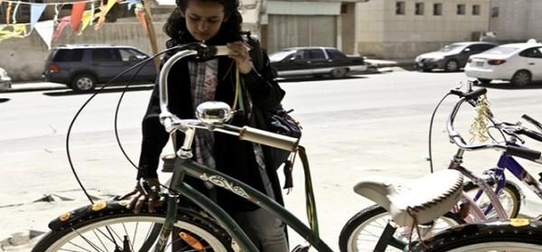 """Le donne saudite e il diritto """"limitato"""" alla bicicletta"""