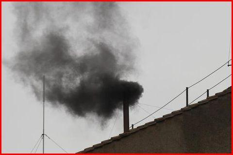 L'élection d'un pape est toujours politique : Fumée blanche et noirs présages