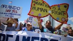 Miles de personas marchan por una reforma inmigratoria en Estados Unidos