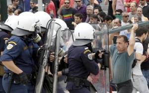 Grecia aplicará movilización civil de emergencia contra maestros