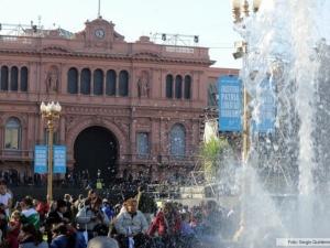 Argentinos comemoram 10 anos de era Kirchner