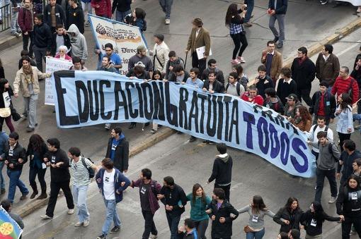 Los estudiantes chilenos volverán a marchar el martes cuando Piñera hable ante el Congreso
