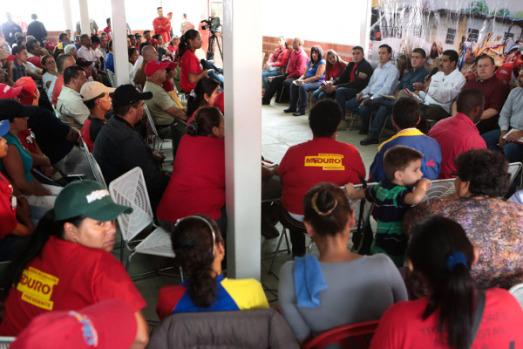 Venezuela, le 'gouvernement dans la rue' : « Nous t'écoutons, Claudia »