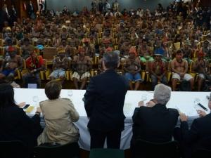 Índios estão reunidos com representantes do governo federal no Palácio do Planalto