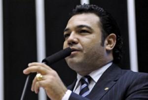 Marco Feliciano põe CDH para votar projeto da 'cura gay' no Brasil