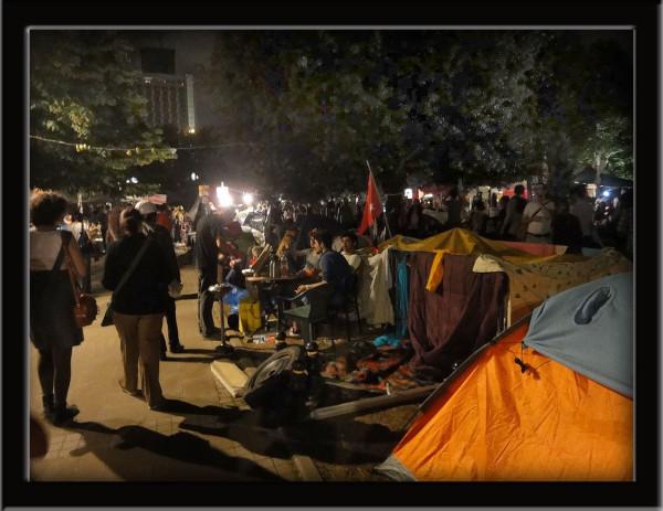 Testimonio Humanista en Plaza Taksin y Kadikoy