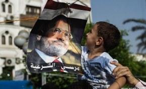 Egypte: Catherine Ashton appelle à la libération de Mohamed Morsi
