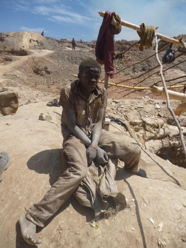 République démocratique du Congo : la pauvreté amène les enfants dans les mines au Katanga