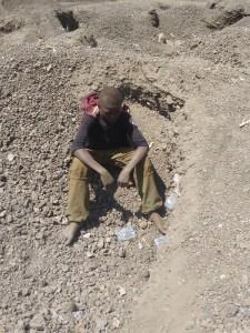 2_1 la pauvreté amène les enfants dans les mines au Katanga