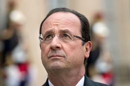 Hollande anunció un nuevo ajuste y despidió a una ministra por haber criticado las medidas de recorte
