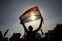 Egipto: el premier de facto inicia contactos para formar el gobierno