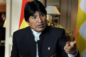 """La Bolivia e l'Ecuador chiedono una riunione dell'Unasur per l""""offesa"""" a Morales"""