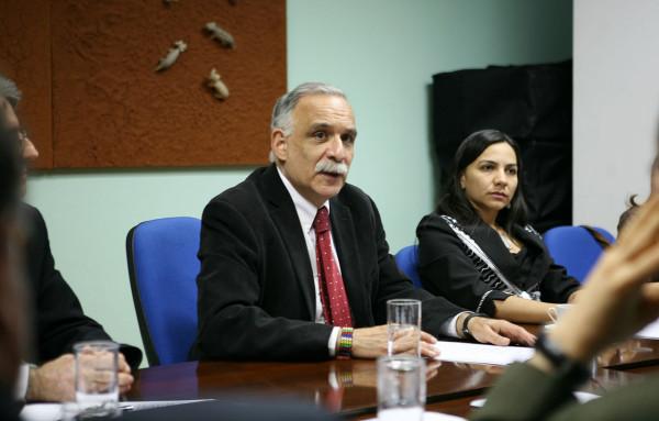 ExMinistro denuncia persecusión a la cultura en paraguay
