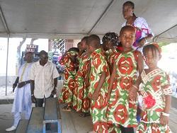 Grande festa di fine anno alla Garderie uneautremonde di Dakar