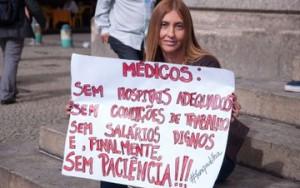 Associações voltam a pressionar contra vinda de médicos estrangeiros