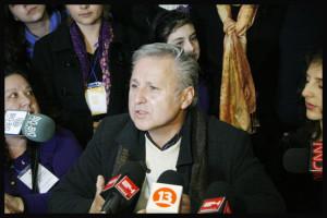 Foto-Reportaje: Marcel Claude inscribe oficialmente su candidatura en el Servel