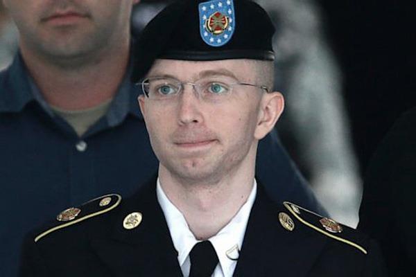 Condenaron a 35 años de cárcel al soldado norteamericano que filtró documentos a WikiLeaks
