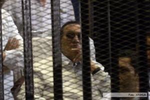 Un tribunal egipcio ordenó que Mubarak espere en libertad el juicio por el asesinato de manifestantes