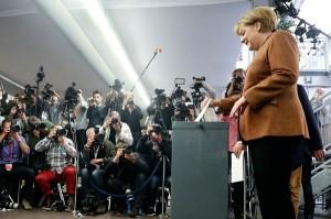 Merkel arrasó en las elecciones, pero deberá armar una nueva alianza