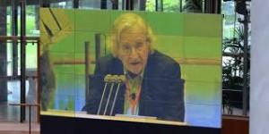 Chomsky: Plan ruso para Siria cae del cielo a Obama