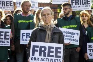"""Alternative Nobel Prize"" Laureates demand immediate release of Greenpeace activists"