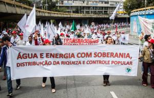 Marcha contra privatizações soma 4.000 na Paulista