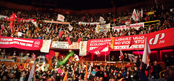 Marcel Claude lancia la campagna presidenziale riempiendo il Teatro Caupolicán